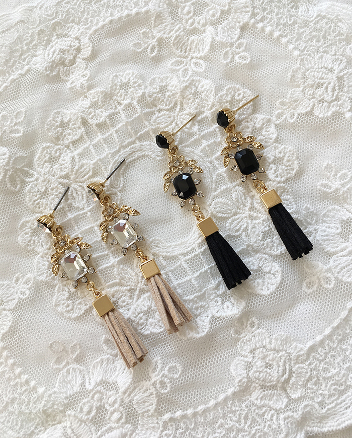 Holder tassel earrings  E 117