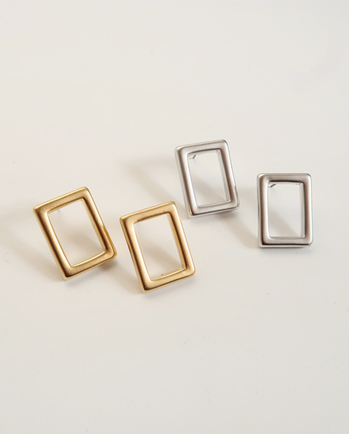 Out frame earrings E195