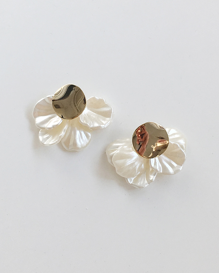 Flower clam earrings E 220