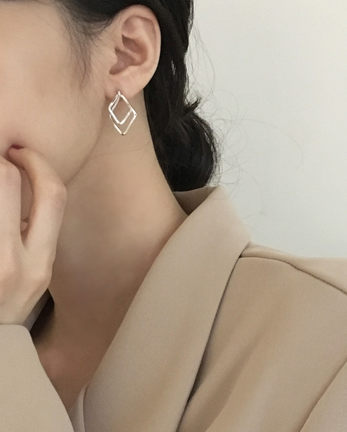 Dias earring (2color) E179