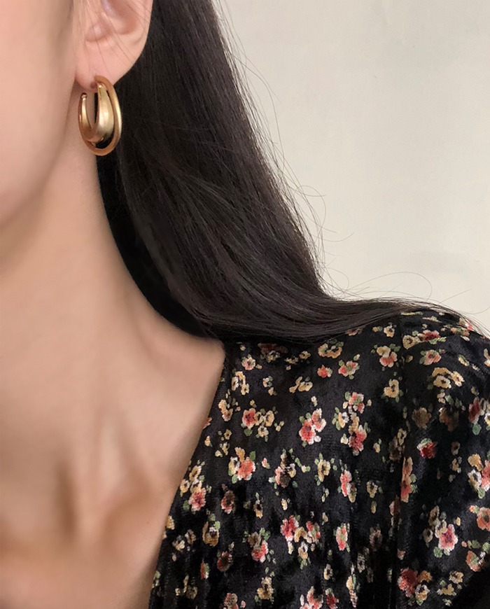 Two moon earring  E 126